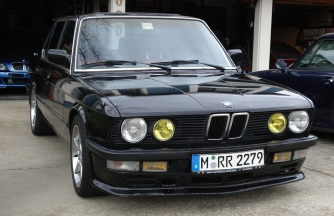 1988 bmw 535is the motoring enthusiast. Black Bedroom Furniture Sets. Home Design Ideas