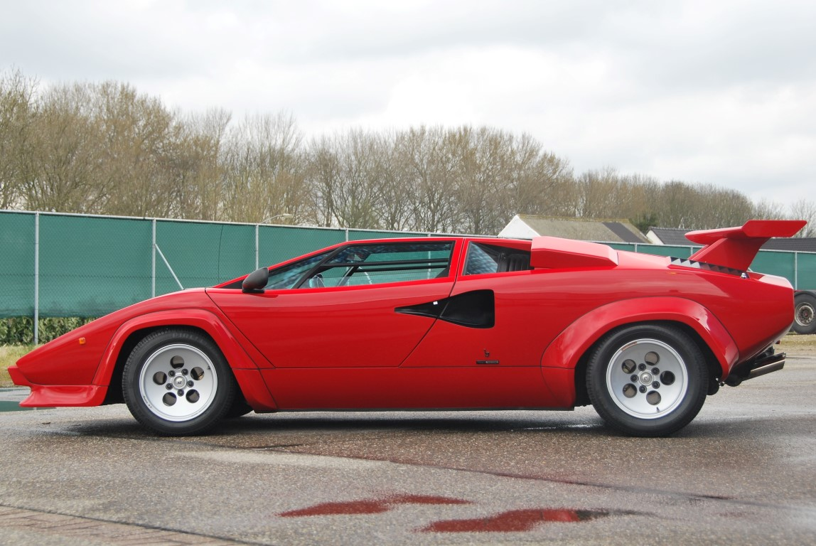 1986 lamborghini countach 5000 quattrovalvole downdraft for sale the motoring enthusiast. Black Bedroom Furniture Sets. Home Design Ideas